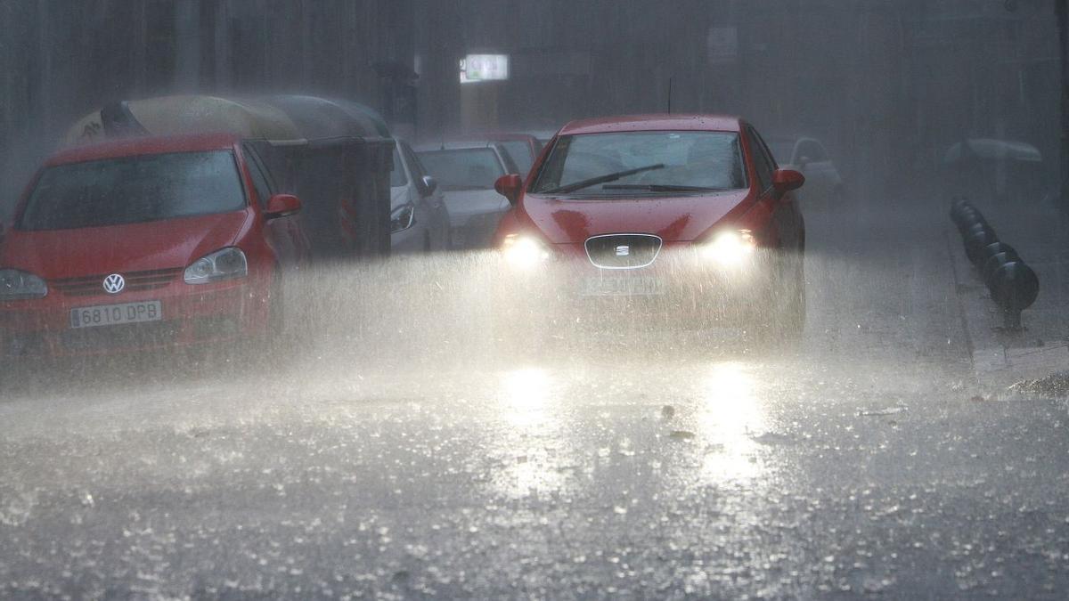 Fuerte tormenta en Ourense este domingo.