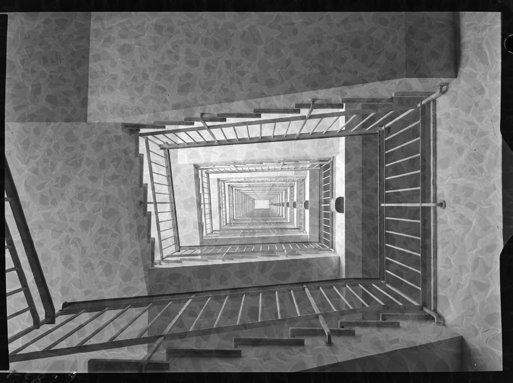 Plano nadir desde el huevo de la escalera.jpg
