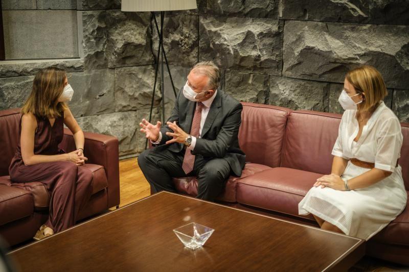 Visita de la ministra de Derechos Sociales a Canarias