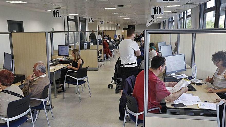 Hisenda permetrà pagar l'IRPF fraccionat a empleats amb ERTO