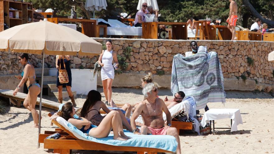 Cómo se usará la mascarilla en las playas de Ibiza