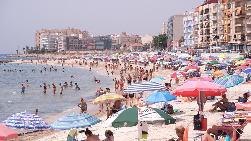 Una encuesta sobre diez áreas clave ayudará a Torrevieja a diseñar su modelo turístico