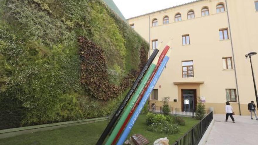 El mantenimiento del jardín de Sant Carles rondará los 8.400 euros