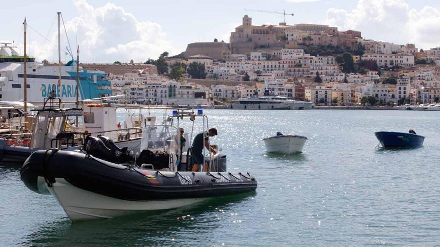 El juzgado ordena el ingreso en el CIE de Valencia de 41 migrantes llegados a las Pitiusas