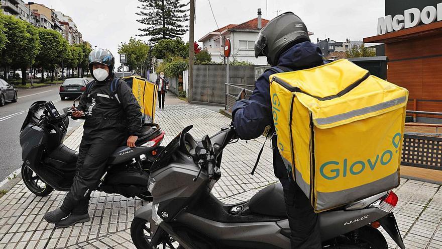 Llega la Ley Rider: Uber Eats se apoya en Deelivers y Glovo sigue con autónomos
