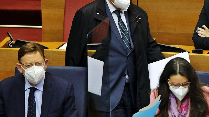 Oltra trata de caldear la comisión de presupuestos con sus ataques a Soler