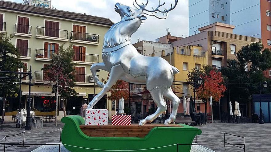 Fallas en las calles de Gandia en Navidad