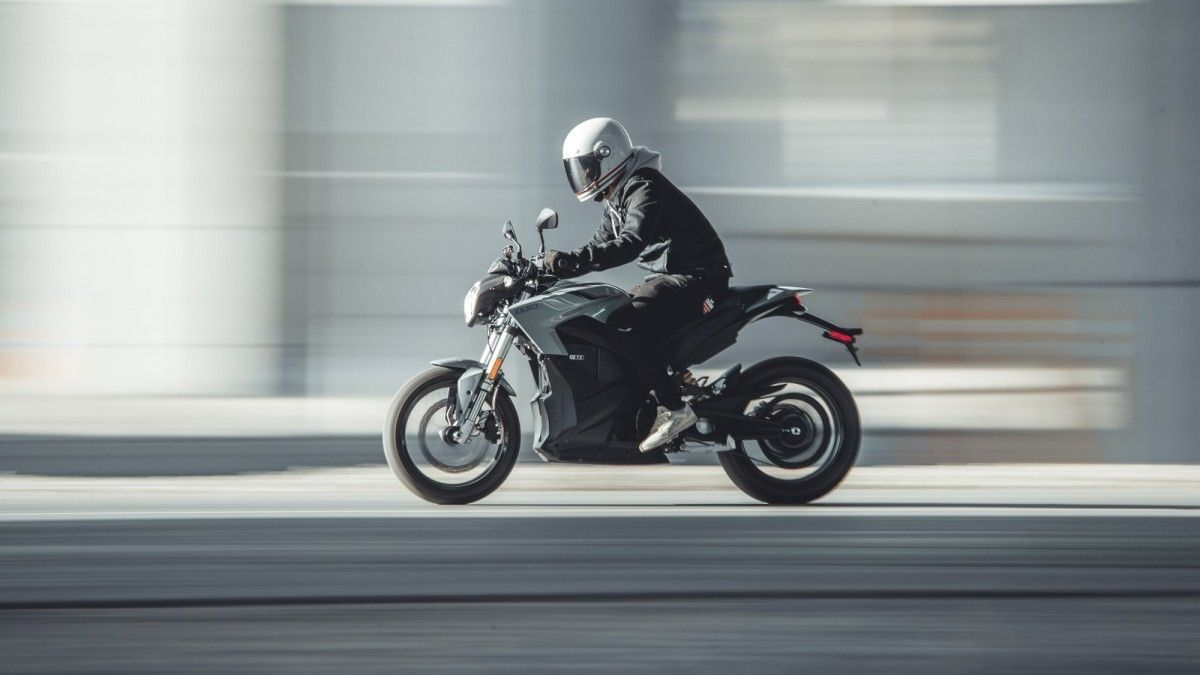 Zero S, DS y FXS: tres motos eléctricas para conducir con el carnet A1 o B