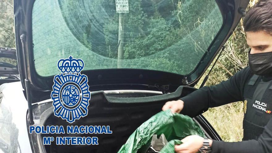 Detenen a Lloret 10 membres d'una banda quan carregaven cabdells de marihuana