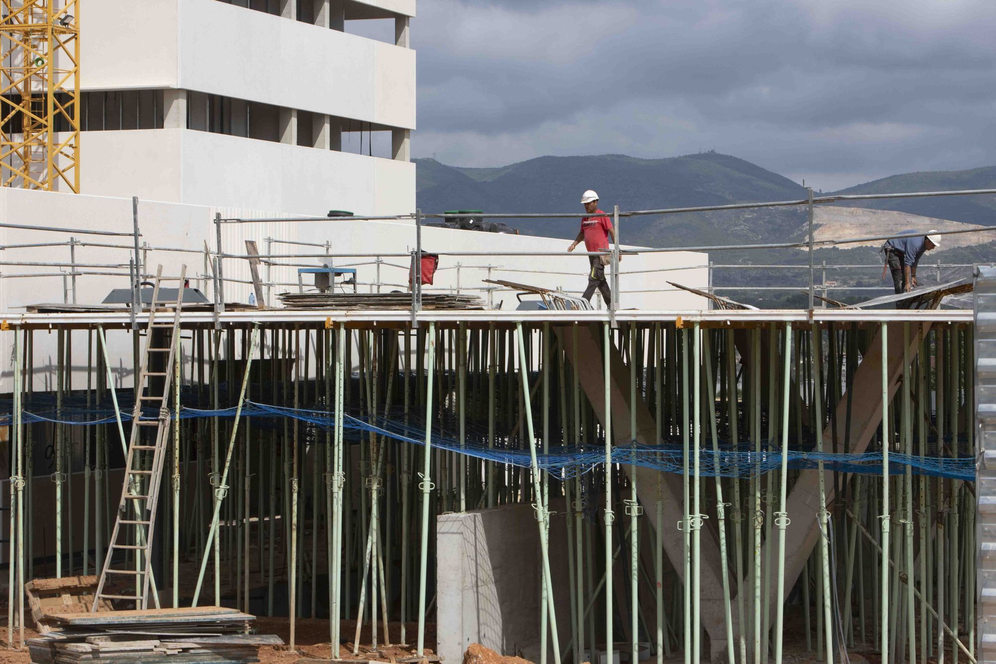 La construcción del nuevo hospital de Ontinyent sigue a buen ritmo.