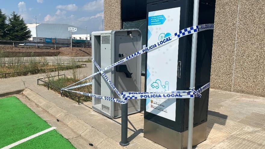Un acte vandàlic deixa fora de servei un carregador per a vehicles elèctrics a Sant Fruitós