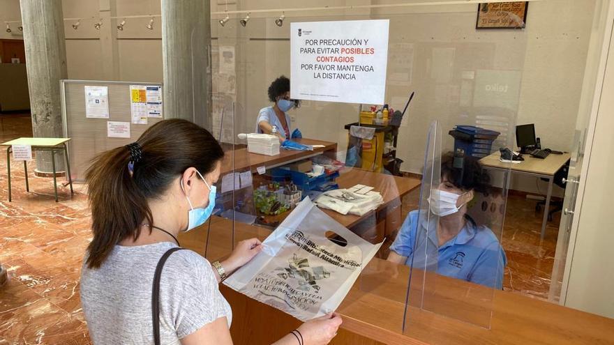 La Biblioteca Municipal de El Campello retoma su actividad tras un trimestre de parón