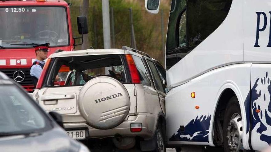 Cinco muertos en Salou al chocar de frente un autobús y un todoterreno