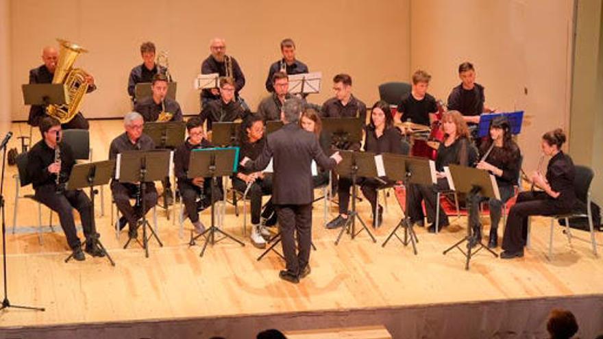 L'Orquestra Versatile proposa el tradicional concert de Fires als Caputxins de Figueres