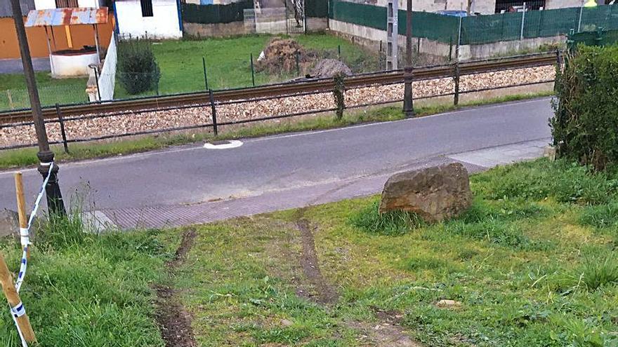 Destrozan parte del circuito de ciclocross de El Entrego tras recorrerlo con un coche