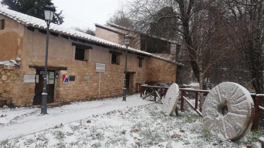La nieve cubre Los Serranos y el Rincón de Ademuz