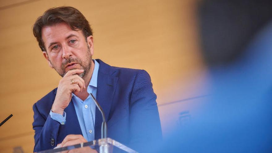 """Alonso: PSOE y Cs ha dejado de ejecutar 171 millones, lo que es """"intolerable"""""""