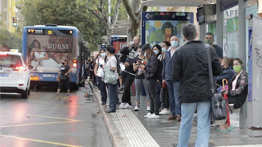 El primer paro de la EMT deja sin transporte público a miles de usuarios