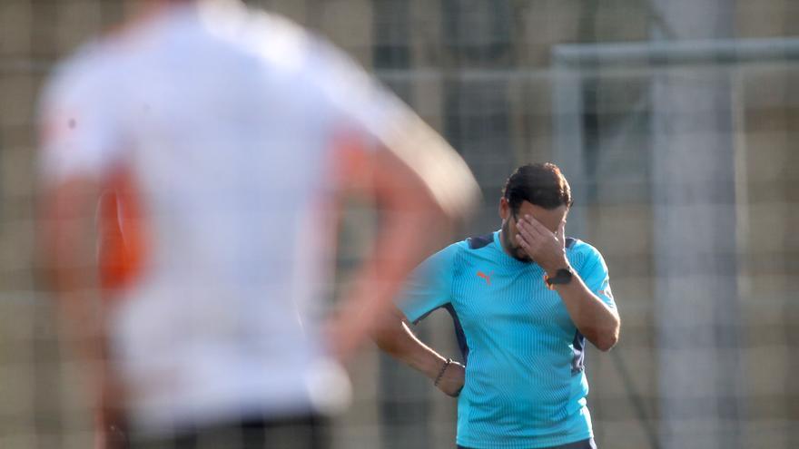 """Las  """"no verdades""""  del verano y lo mucho que nos cuesta ser felices en el Valencia"""