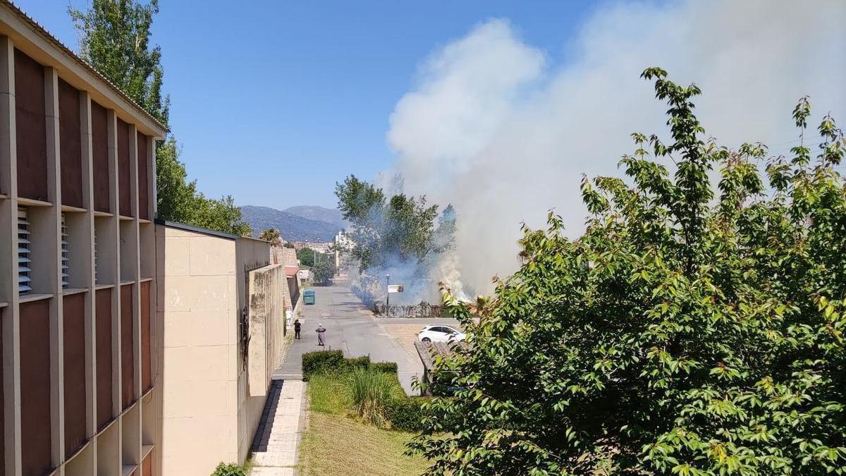Una imagen del humo que ha provocado el fuego.