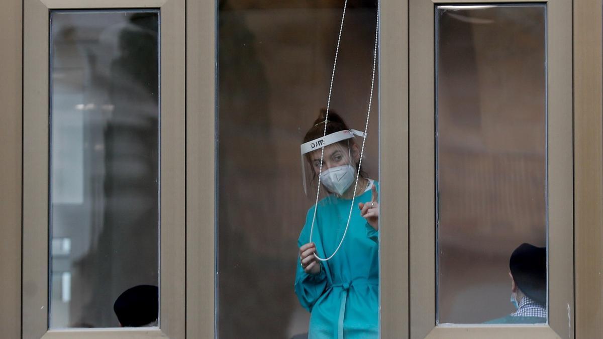 Atención sanitaria en una residencia de Zarauz.