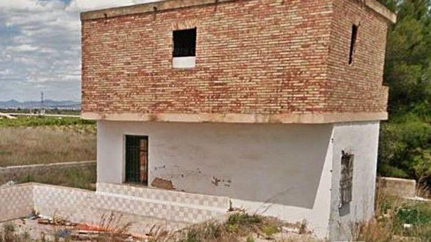 Secuestra y viola durante horas a su expareja en una casa de campo en Valencia