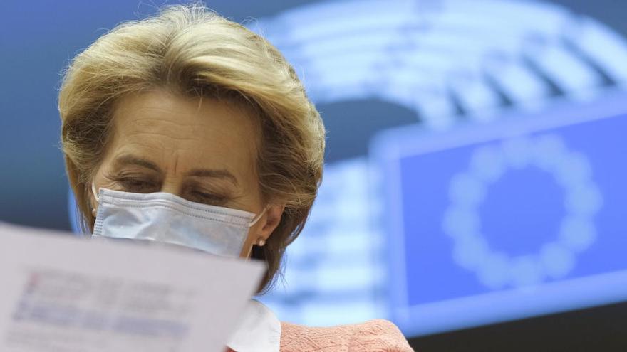Bruselas da luz verde al borrador presupuestario de 2021, pero avisa por la deuda