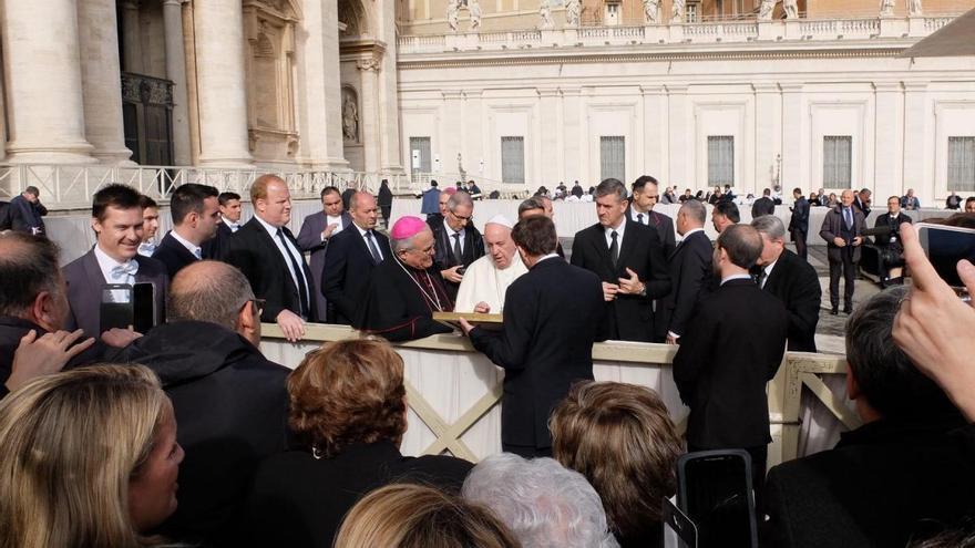 El Papa recibe a la junta de gobierno de la Agrupación de Hermandades y Cofradías de Córdoba