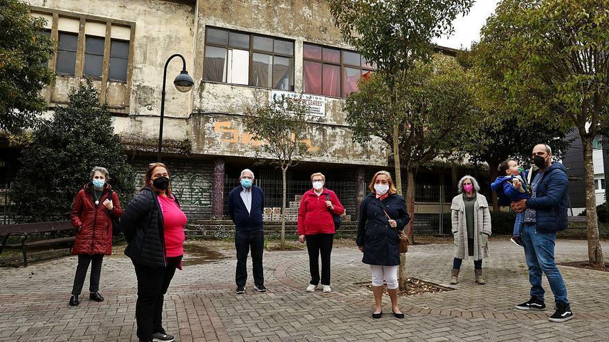 """Ceares urge soluciones ante la ruina y la """"okupación"""" del Hogar: """"Estamos hartos"""""""