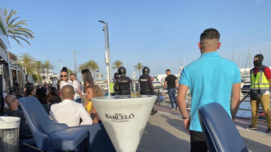 Redada a plena luz del día en el puerto deportivo de Marbella