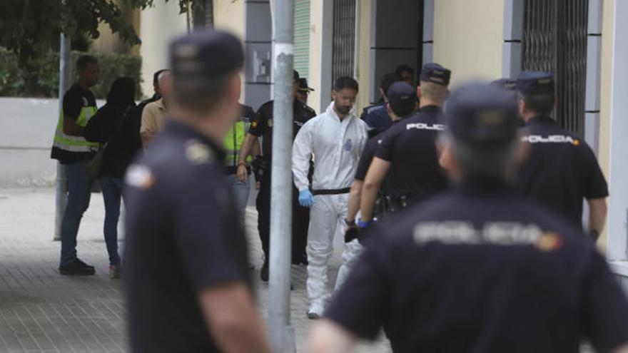 Una mujer embarazada de 6 meses muere degollada en su casa de Valencia