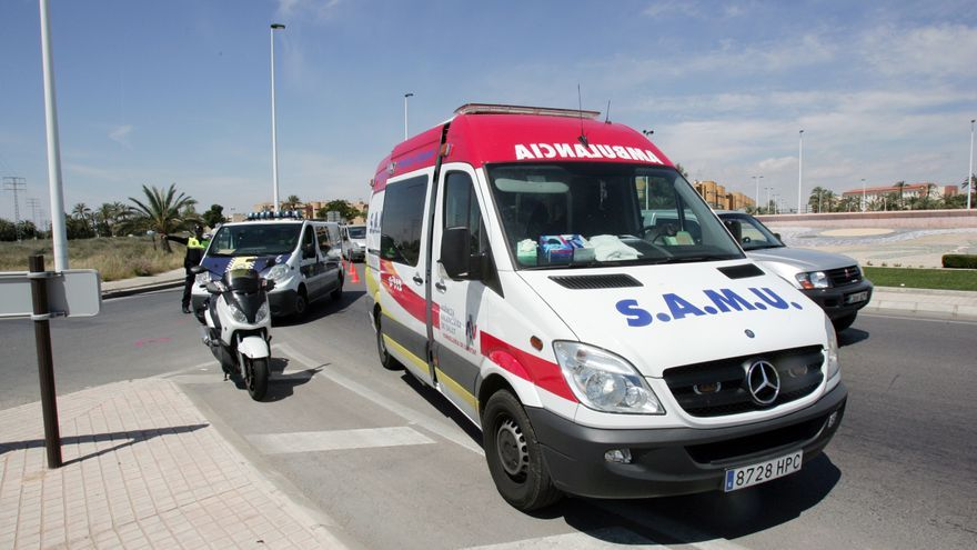 Tres heridos en un accidente de coche en la urbanización El Oasis de San Fulgencio