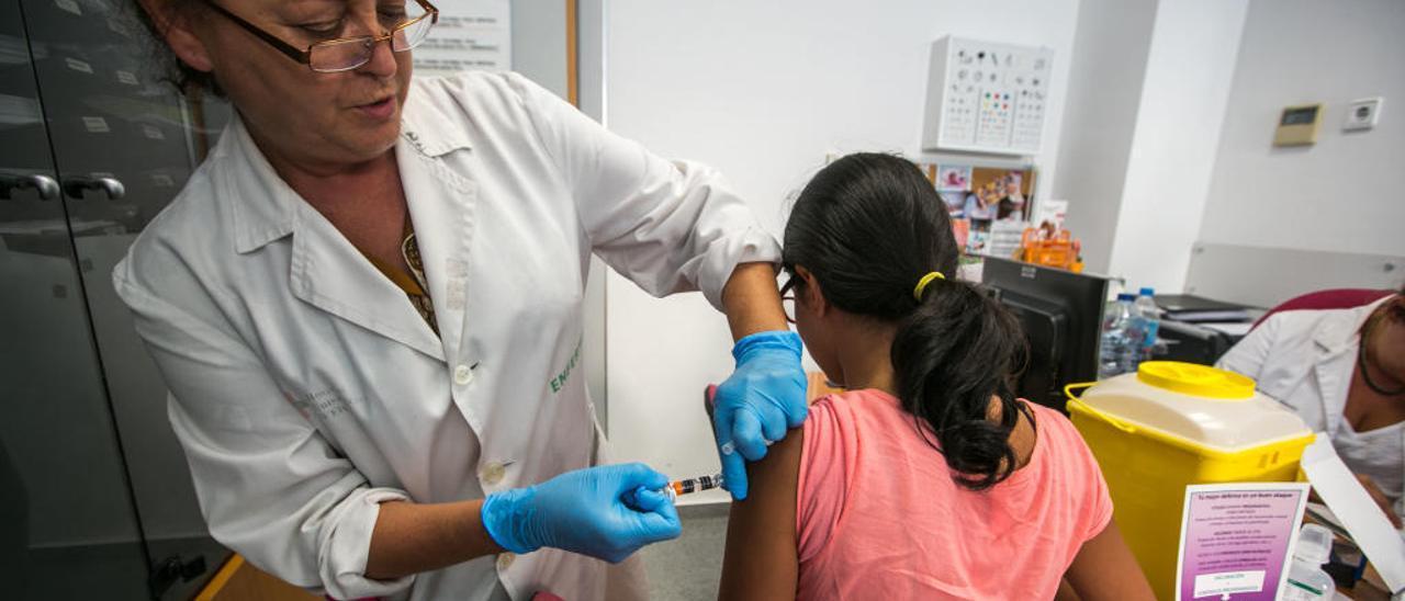 Los pediatras piden a Sanidad que vacune a los adolescentes de tos ferina