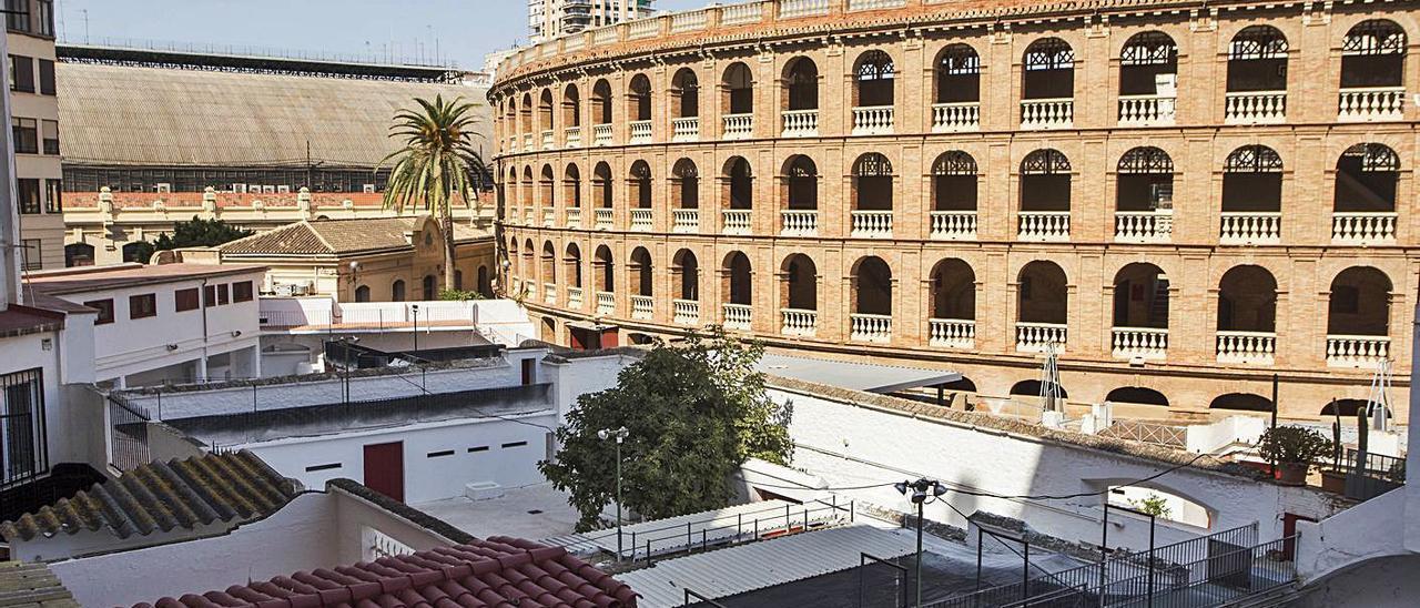 La remodelación del entorno de la plaza de toros lleva 11 años parada