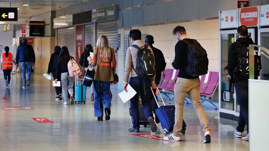 Los viajeros nacionales que lleguen a Ibiza no tendrán que aportar el formulario covid