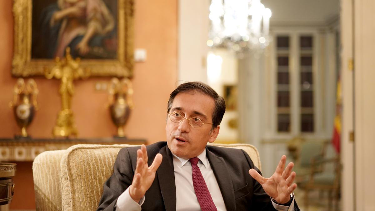 José Manuel Albares, ministro de Exteriores, durante la entrevista.