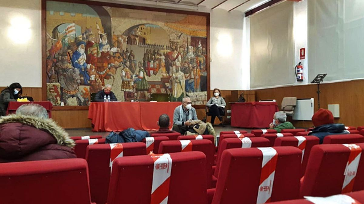 Encuentro mantenido ayer entre Ayuntamiento y comité de empresa. | E. P.