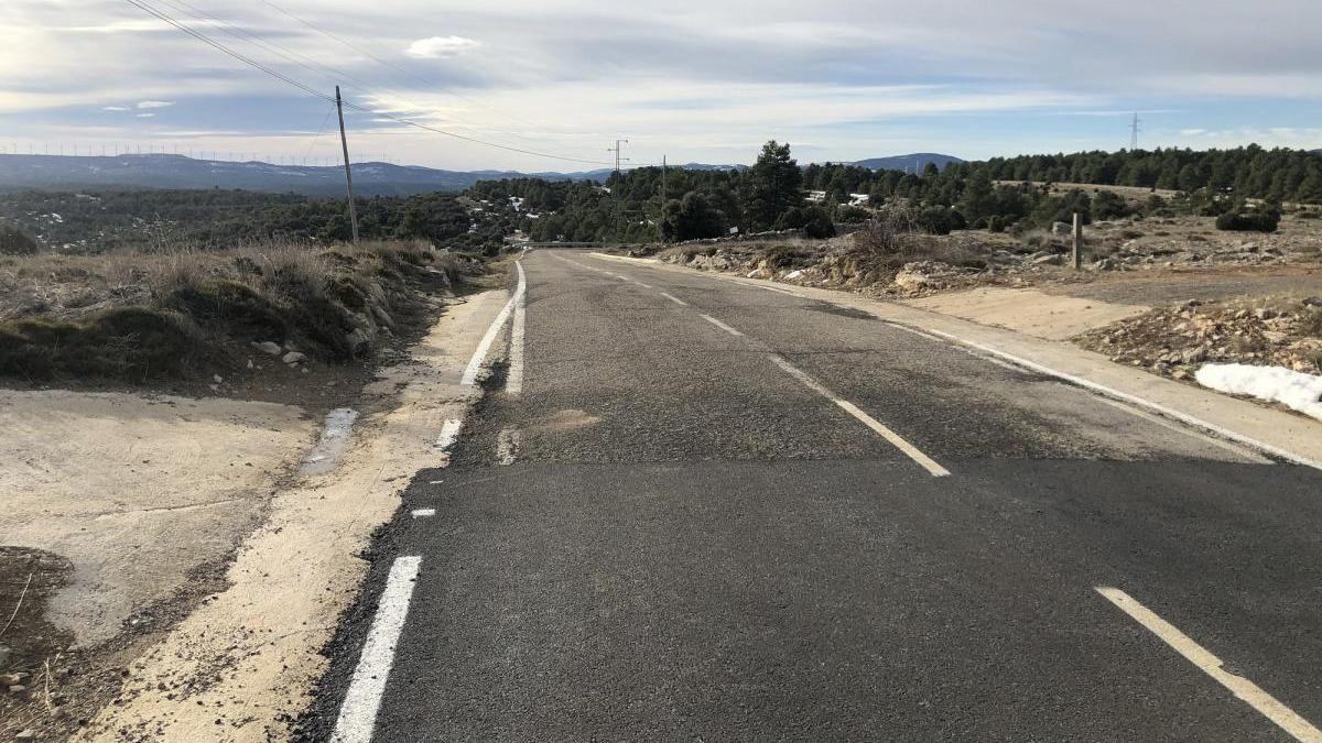 Obras Públicas ofrece diálogo para mejorar la carretera de Portell a Cinctorres