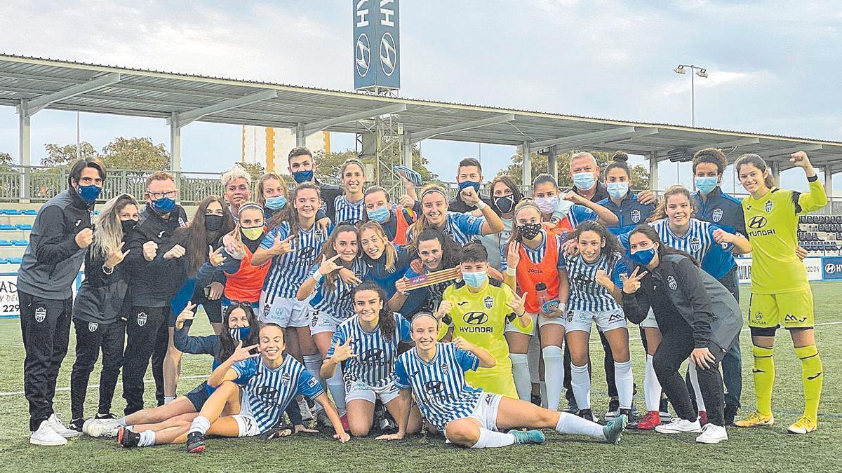 Plantilla del Atlético Baleares femenino, que ganó por 1-0 al Zaragoza B.