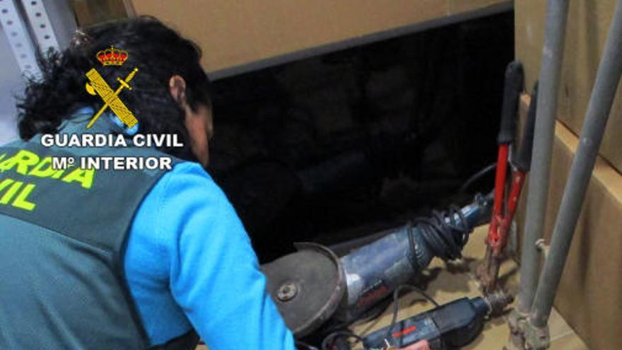 Detenidos trece miembros de una banda que asaltaba casas en San Javier