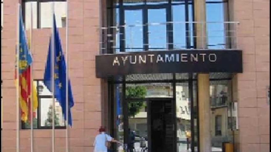 El PSOE entrega la Alcaldía a Alternativa por Catral para cumplir el pacto de 2+2 años
