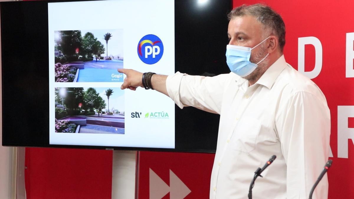 El vicesecretario de la Ejecutiva Municipal Socialista, Javier Mármol, en rueda de prensa.
