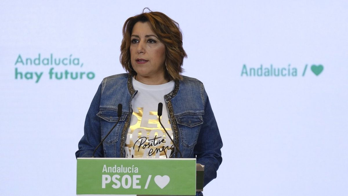 Susana Díaz atiende a los medios de comunicación antes de la Ejecutiva Regional.