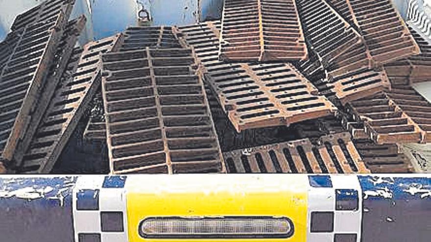 Detienen a dos hombres por robar rejas en un solar de Adif en la calle Bello