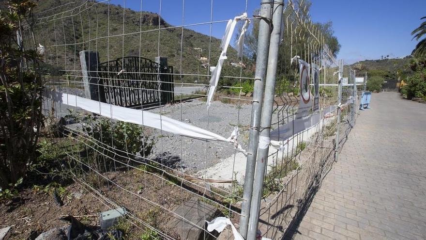 Obras paralizadas en el aparcamiento del Jardín Canario
