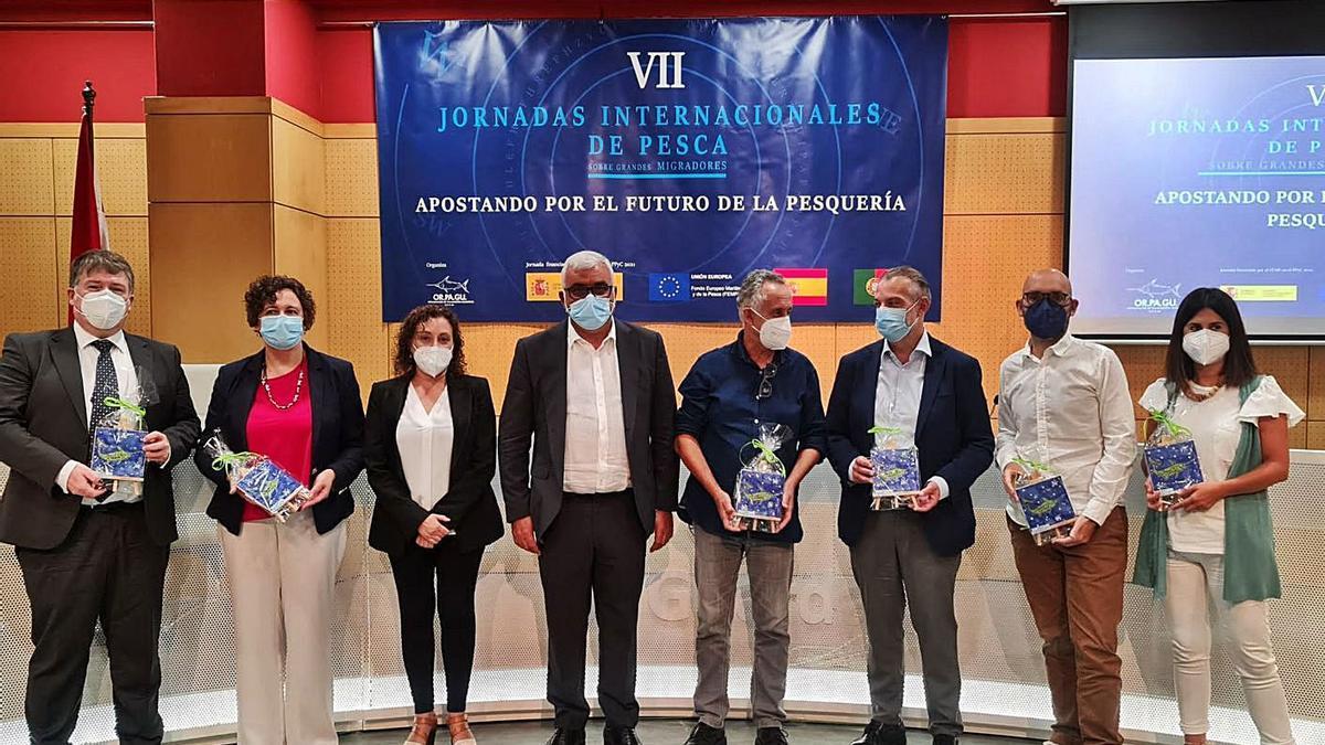 Los participantes en las jornadas de Orpagu tras su finalización. |   // FDV