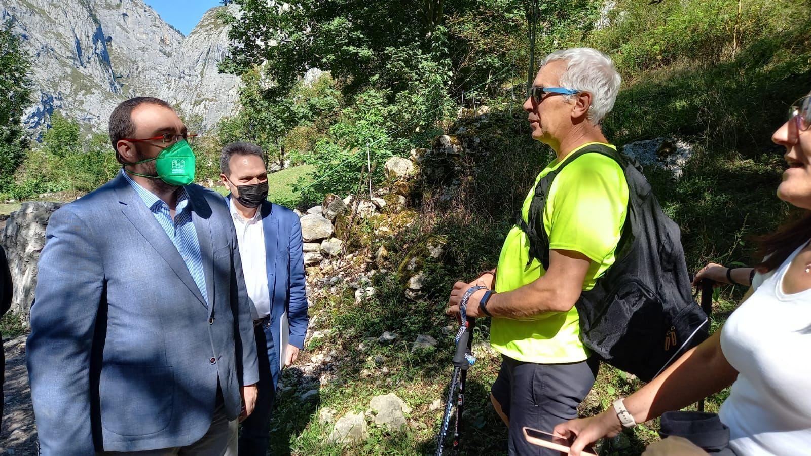 Veinte años del funicular de Bulnes: así fue la visita institucional por el aniversario de la inauguración del remonte