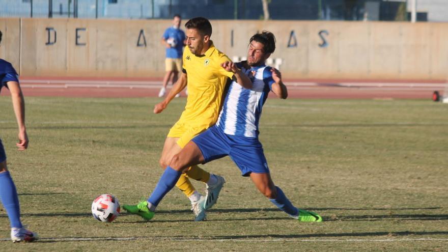 El Águilas gana al Hércules con buen fútbol