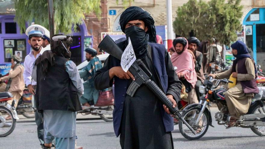 Los talibanes se apoderan de los datos biométricos de afganos que colaboraron con EEUU