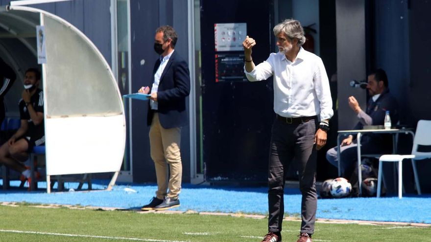 Pablo Alfaro, al borde de la destitución en el Córdoba CF